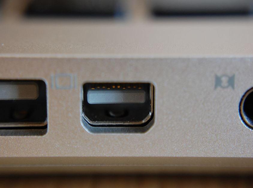 mini display port example